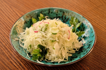 Салат капустяний з огірком