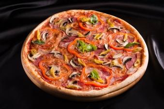 Піца м'ясна