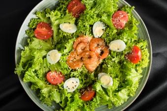 Салат з креветкою