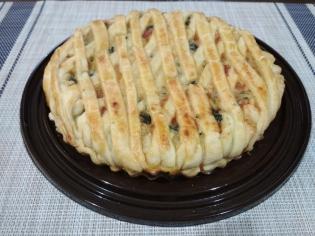 Пирог с фермерским сыром и зеленью