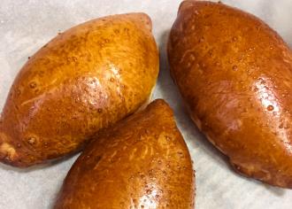 Пиріжок з вишнею