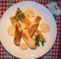 Naleśniki z pieczarkami i cebulą 1/2 porcji