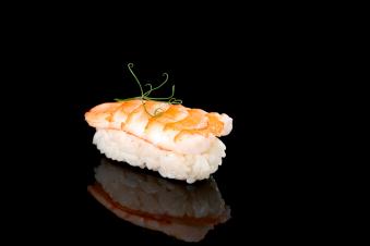 Суші з креветкою