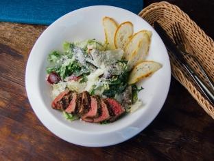 Теплий салат з телятини 260г