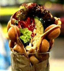 Вафля з креветками та авокадо