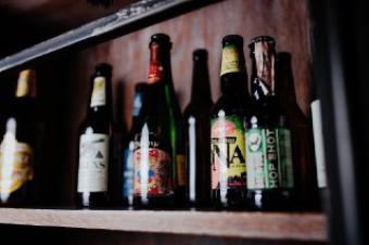 Пиво імпорт в пляшках