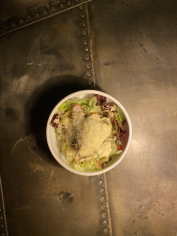 Салат з курячим філе і заправкою том-ям