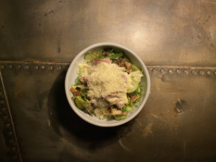 Салат з телятиною, грибами і трюфельною заправкою