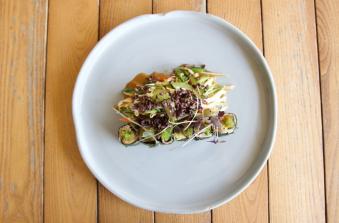 Салат з телятиною в азіатському виконанні (125/130/35)