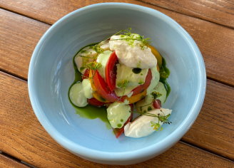 Салат з трьома видами томатів та сиром страчателла (200)