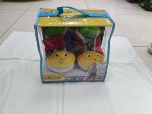 Розвиваюча іграшка Черевички