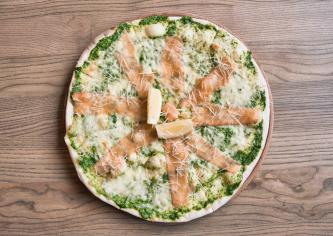 піца Формаджі аль сальмоне