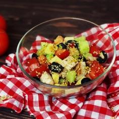 Чікен-гриль салат
