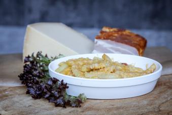 Картопля запечена з сиром та беконом 250г