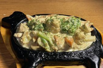 Куряче філе з овочами на пательні 350г