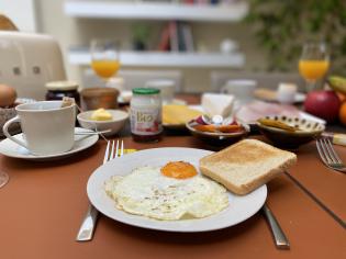 Breakfast & Lunch package