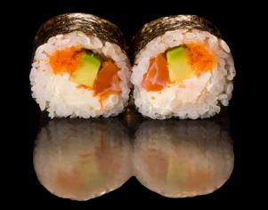 Футомакі з лососем